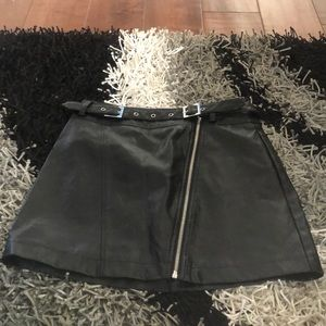 Women's pleather skirt with belt